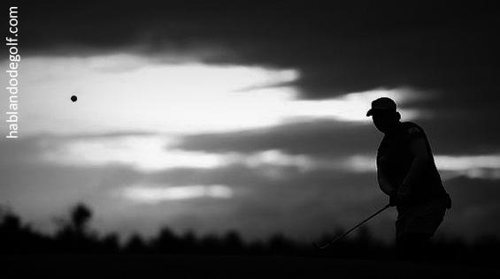 jugar golf